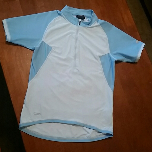 2bfcbe609 Nike ACG Dri-fit Biking shirt Size Small (4-6)
